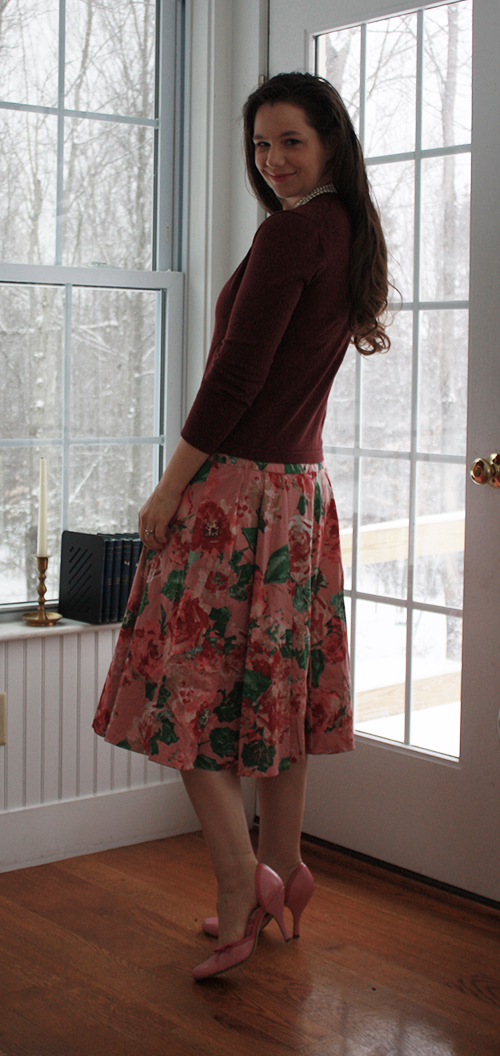 valentines-day-outfit-floral-skirt